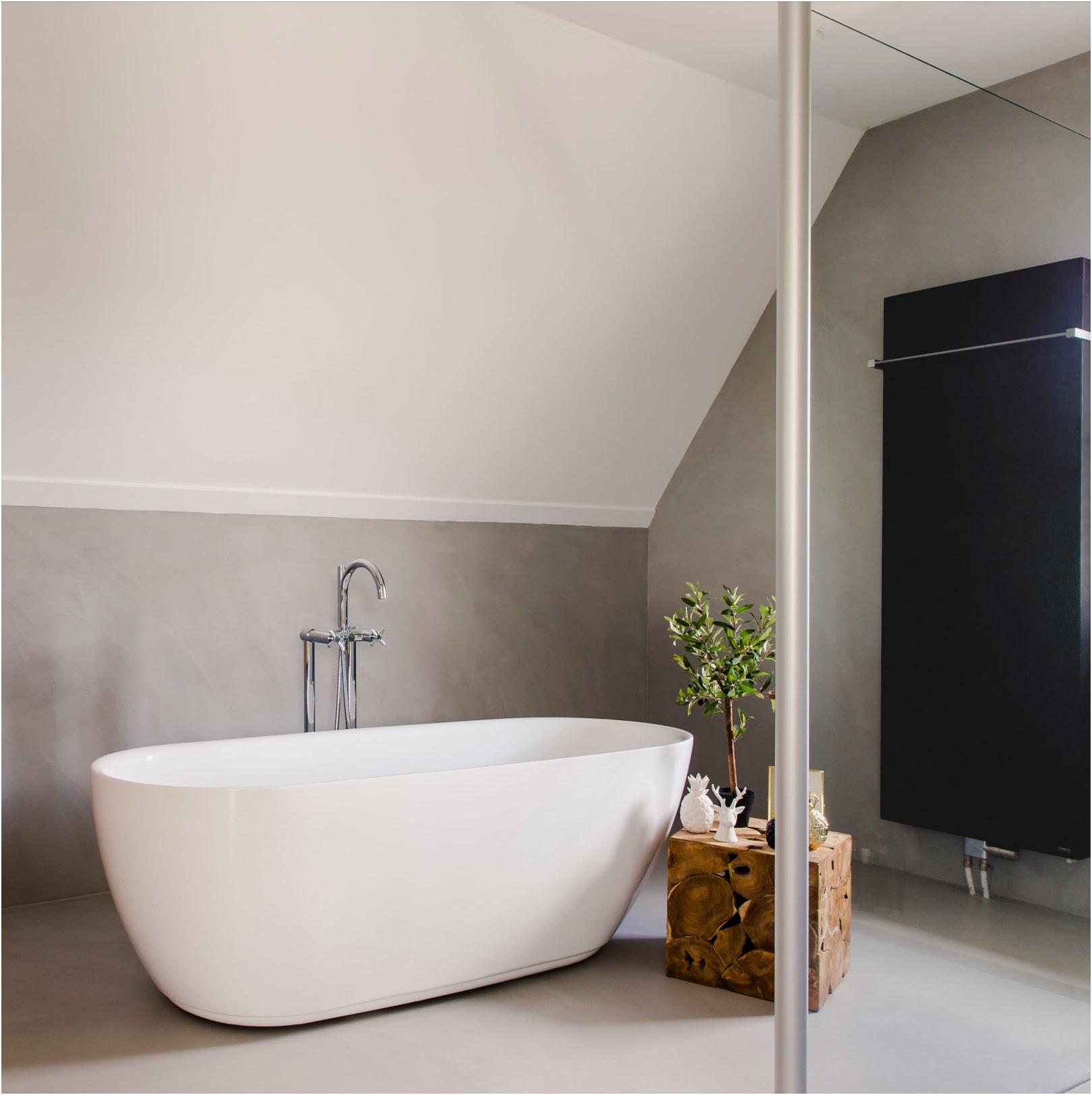 betonstuc-vloer-en-muur-badkamer